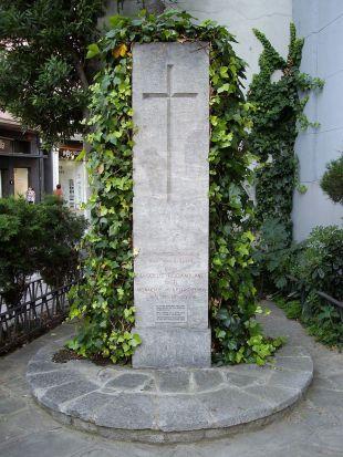 monument_al_pare_rodamilans