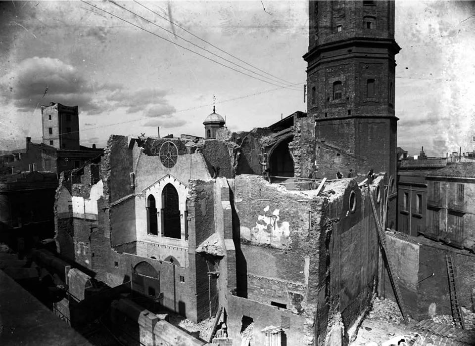 Església de Sant Fèlix després de la Setmana Tràgica, entre 1910 i 1914 (fotografia de l'AHS, informació extreta del llibre Francesc Casañas i Riera, el retrat d'una ciutat