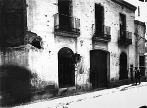 Façana de l'Obrera bombardejada entre el 13 i el 15 d'agost de 1917